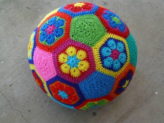 palla africana con fiori