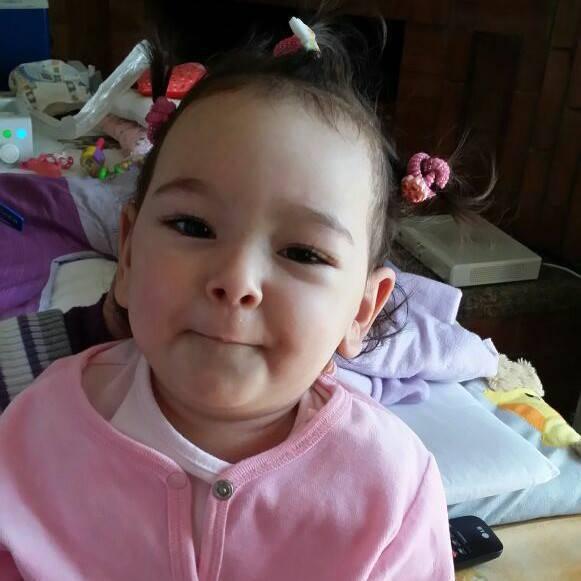 Una bambina di 1 anno e mezzo sta morendo: l'appello dei genitori per salvarla (FOTO & VIDEO)