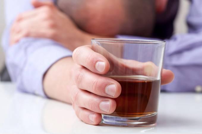 papà beve