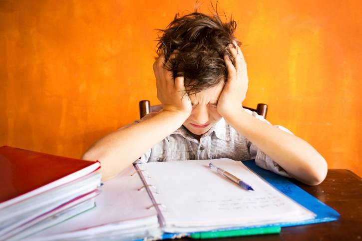 Compiti delle vacanze senza stress: 10 suggerimenti dei pediatri