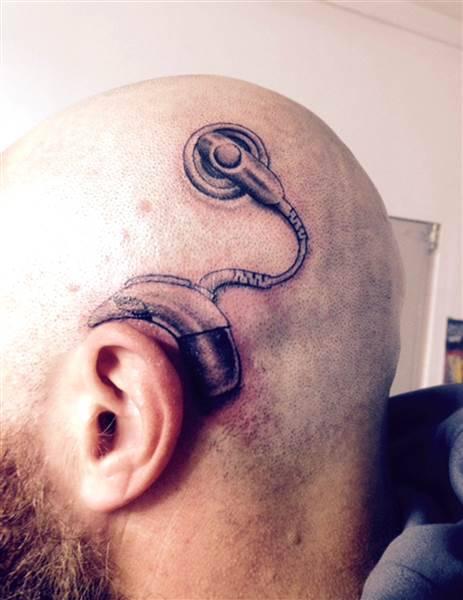 Ben noto Un papà fa un tatuaggio molto speciale per aiutare la figlia non  FT08