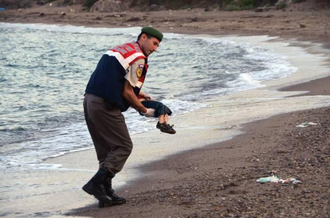 bimbo siriano morto in spiaggia