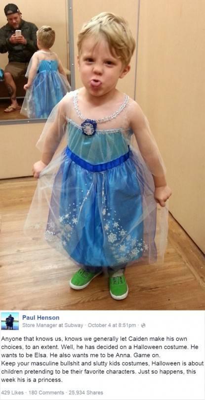 bimbo vestito da elsa