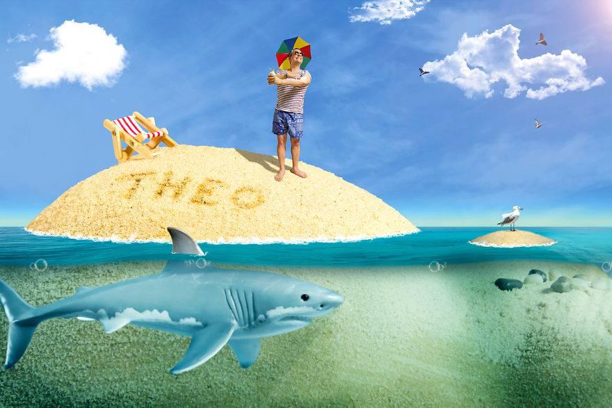 bimbo su spiaggia