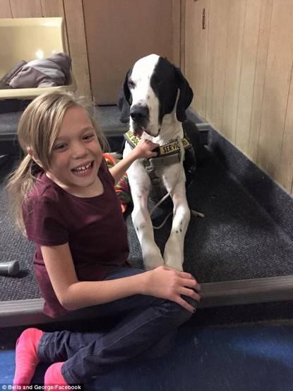 Una bambina con la Sindrome di Marquio ha un cane che la ...