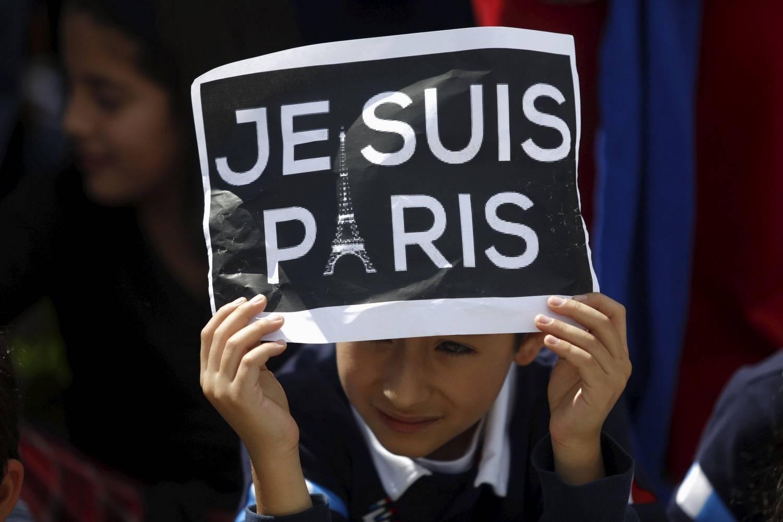 """Allerta terrorismo e bambini: """"cambiate canale"""" dice un esperto ai genitori"""