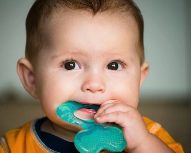 La febbre alta nei bambini è un segnale dello spuntare dei denti?