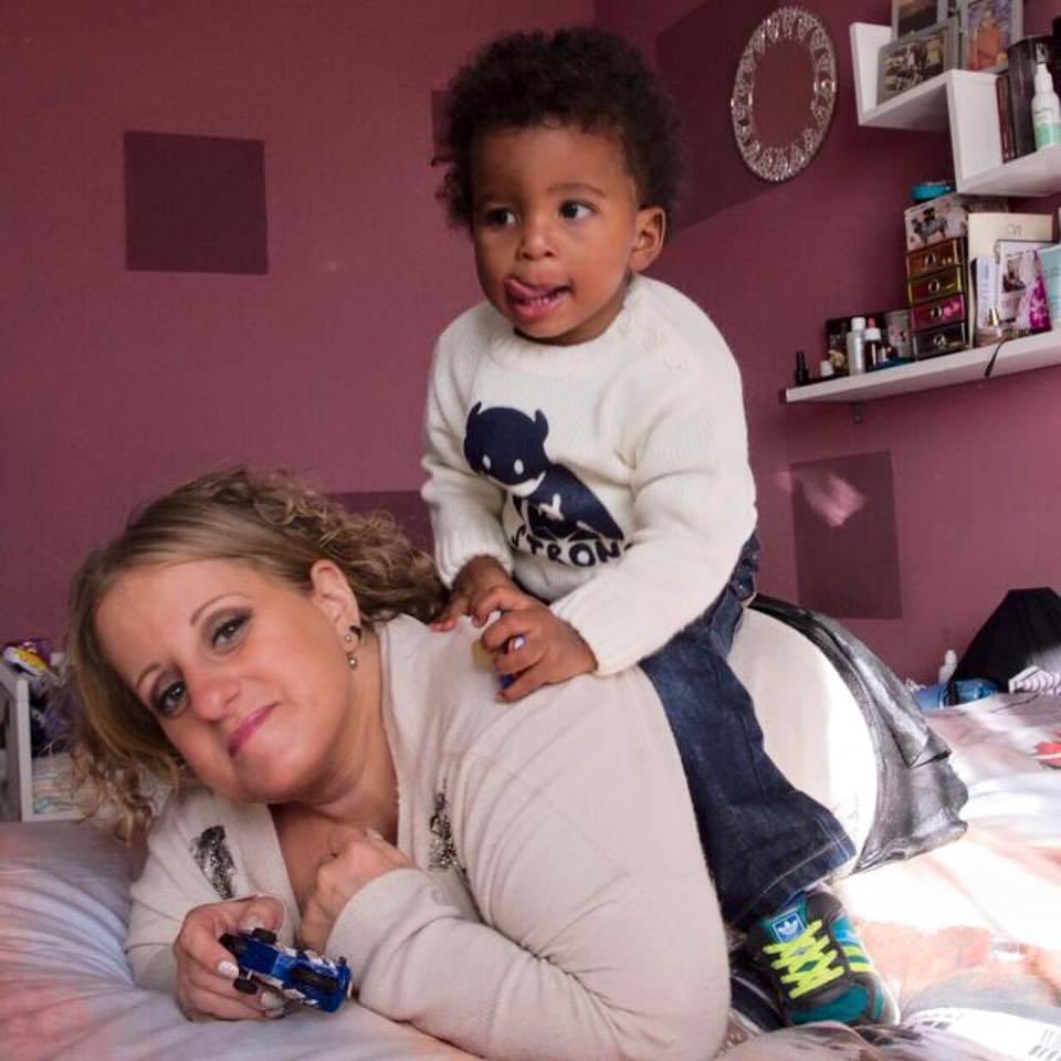 Sara, la mamma che non si è mai arresa alla sua malattia rara (FOTO)