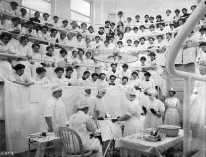 Studentesse di medicina a Philadelphia - Credit: Getty images