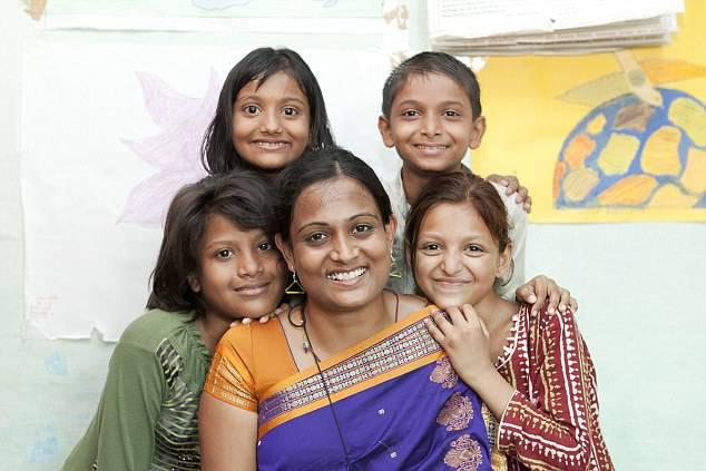 Una donna ha fermato 900 matrimoni di bambini e bambine (FOTO)