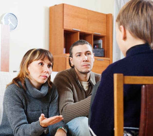 Se un genitore è permissivo e l'altro severo la salute del bambino ne risente