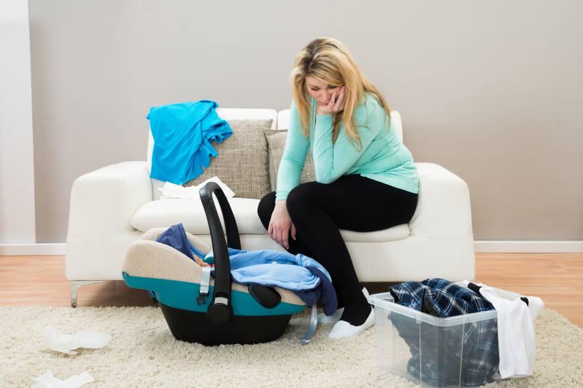 500 euro al mese per il primo figlio: una petizione per le mamme casalinghe