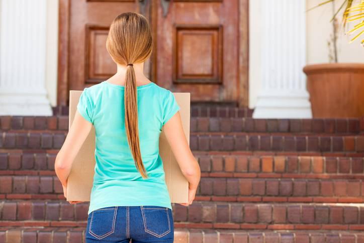 Perché i traslochi danneggiano l'equilibrio degli adolescenti?
