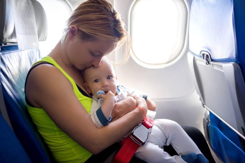 Bambini in braccio aereo pericoloso