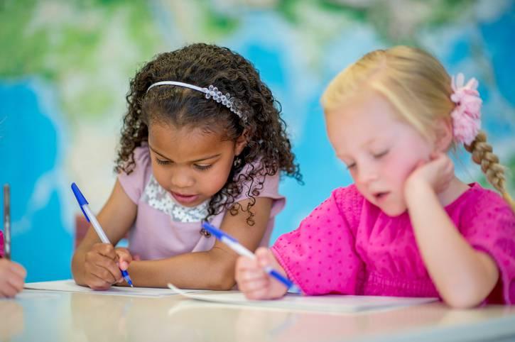 I benefici della scrittura manuale sullo sviluppo dei bambini
