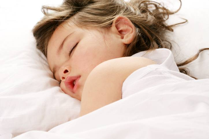 Il sonno disturbato dei bambini: i motivi e le soluzioni secondo gli esperti