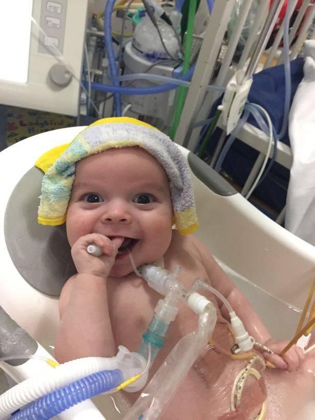 malattia rara bambino molto felice