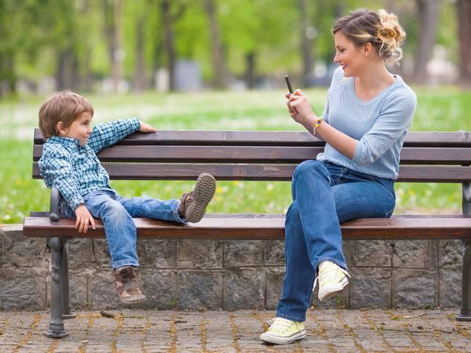 Multe ai genitori che pubblicano foto dei figli minori