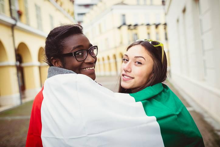 I bambini stranieri nati in Italia che non diventano cittadini sono a rischio