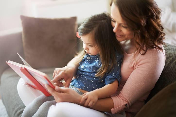 leggere storie ai bambini