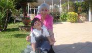 una pensionata e suo figlio in affido