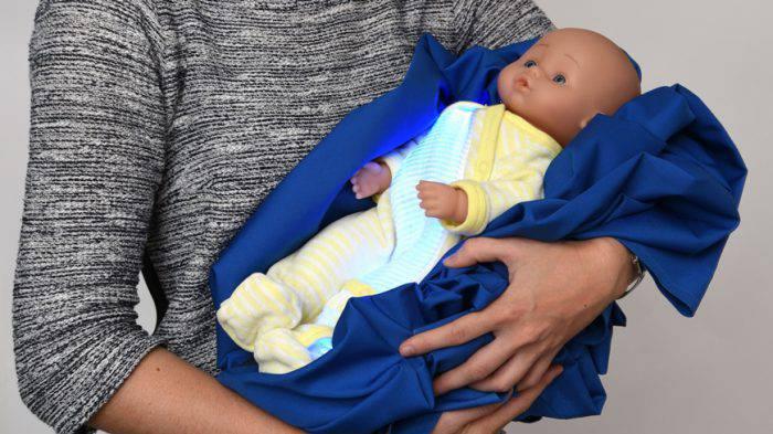Ittero nei neonati: per curarlo arriva un pigiamino speciale (FOTO)
