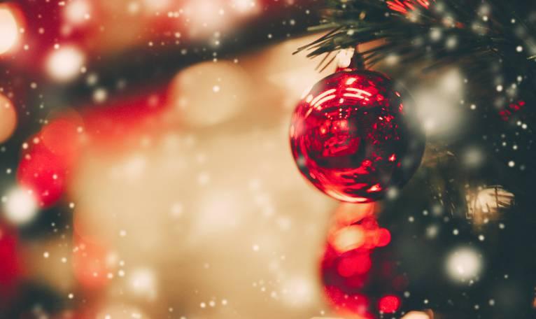 """Natale """"cancellato"""": la festa della scuola scatena le polemiche"""