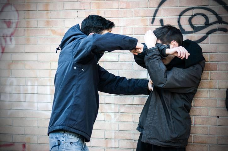 Bullismo: arrestati 3 minorenni dopo 6 denunce di un papa'