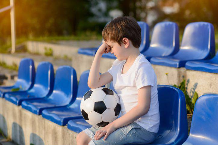 partita calcio finita insulti spalti genitore