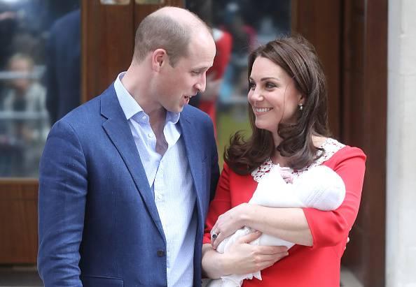 Il terzogenito di William e Kate compie un anno: nuove immagini lo celebrano – FOTO