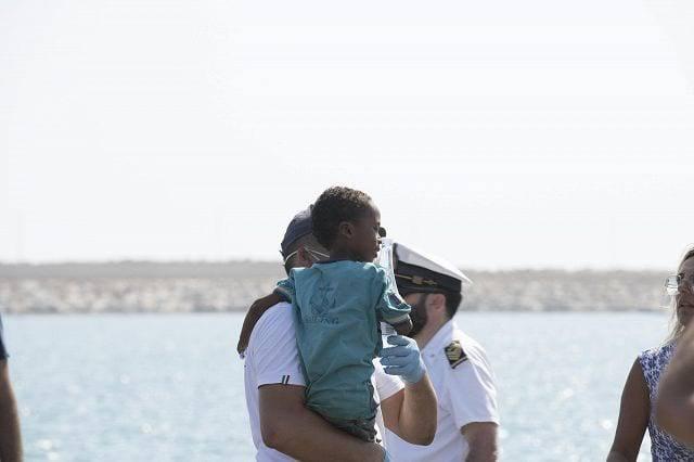Bambina migrante
