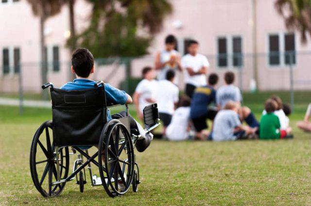 400 ragazzi disabili non possono andare a scuola: ecco il motivo
