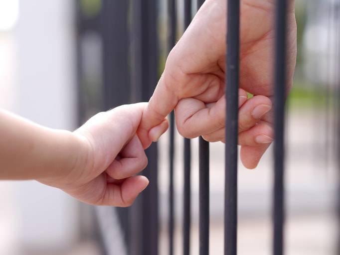 """Morto anche l'altro figlio della mamma detenuta: """"ora sono in Paradiso"""""""