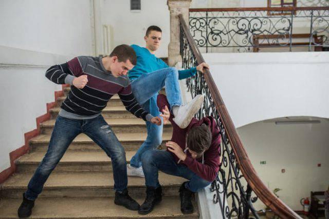 Rapiscono e torturano un coetaneo: 4 adolescenti in carcere