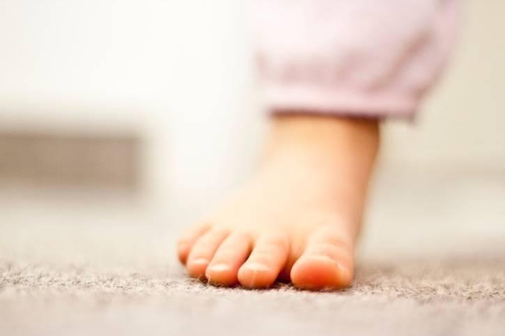 togliersi le scarpe casa