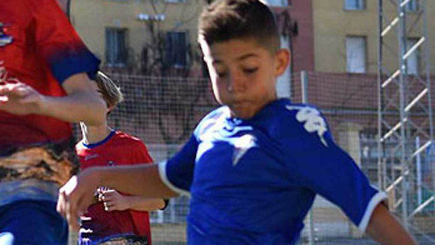 calciatore salva vita avversario