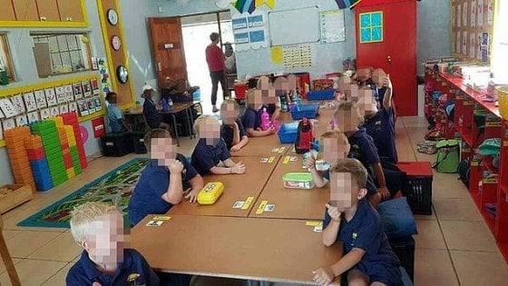 bambini separati a scuola