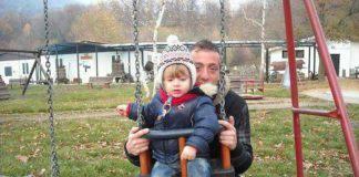 foto del figlio morto rubate