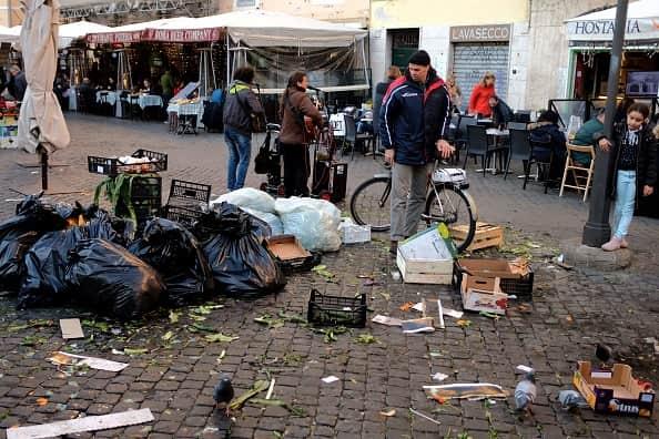 scuole chiuse a roma per rifiuti