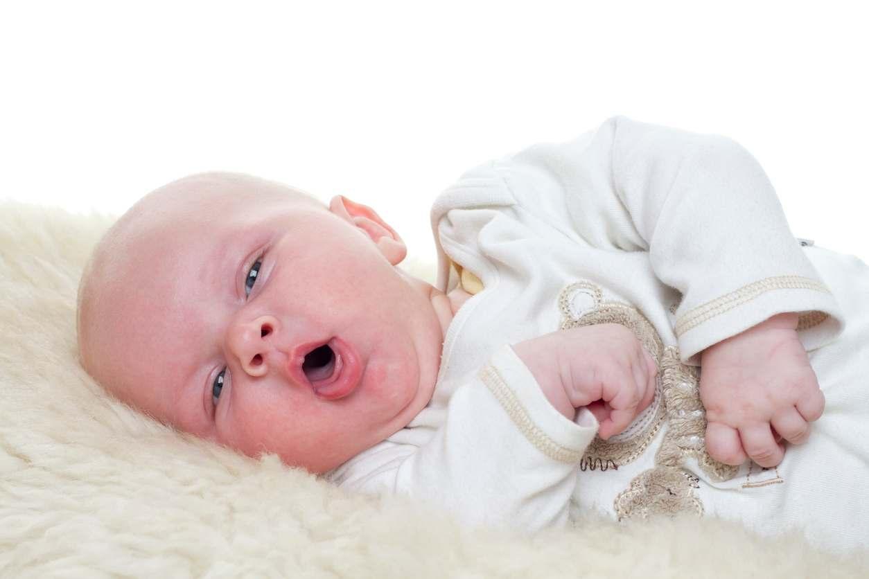 neonato con tosse muore