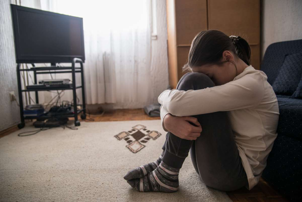 bambina violentata compagno mamma