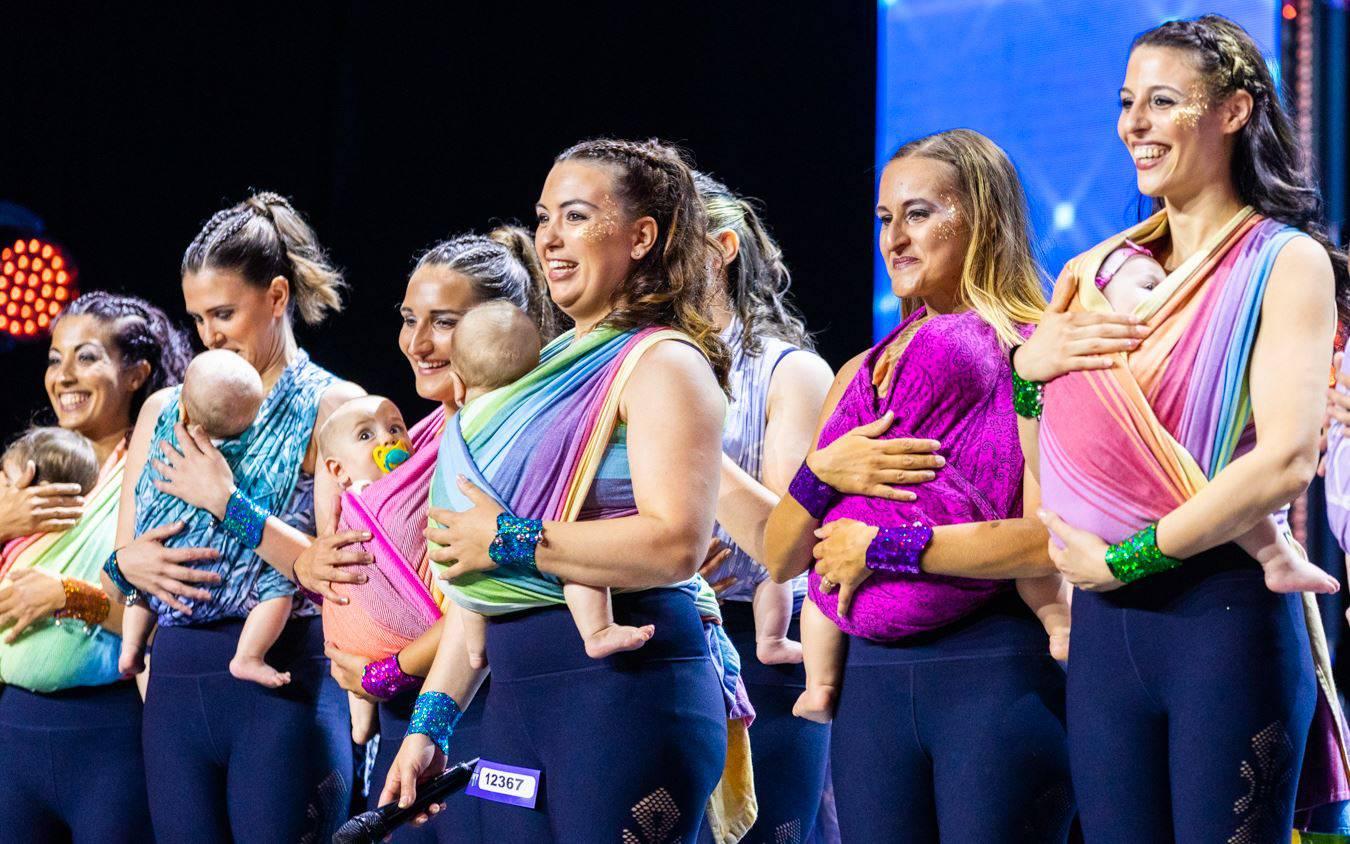Le mamme di Danza in Fascia che si sono esibite ad Italia's Got Talent