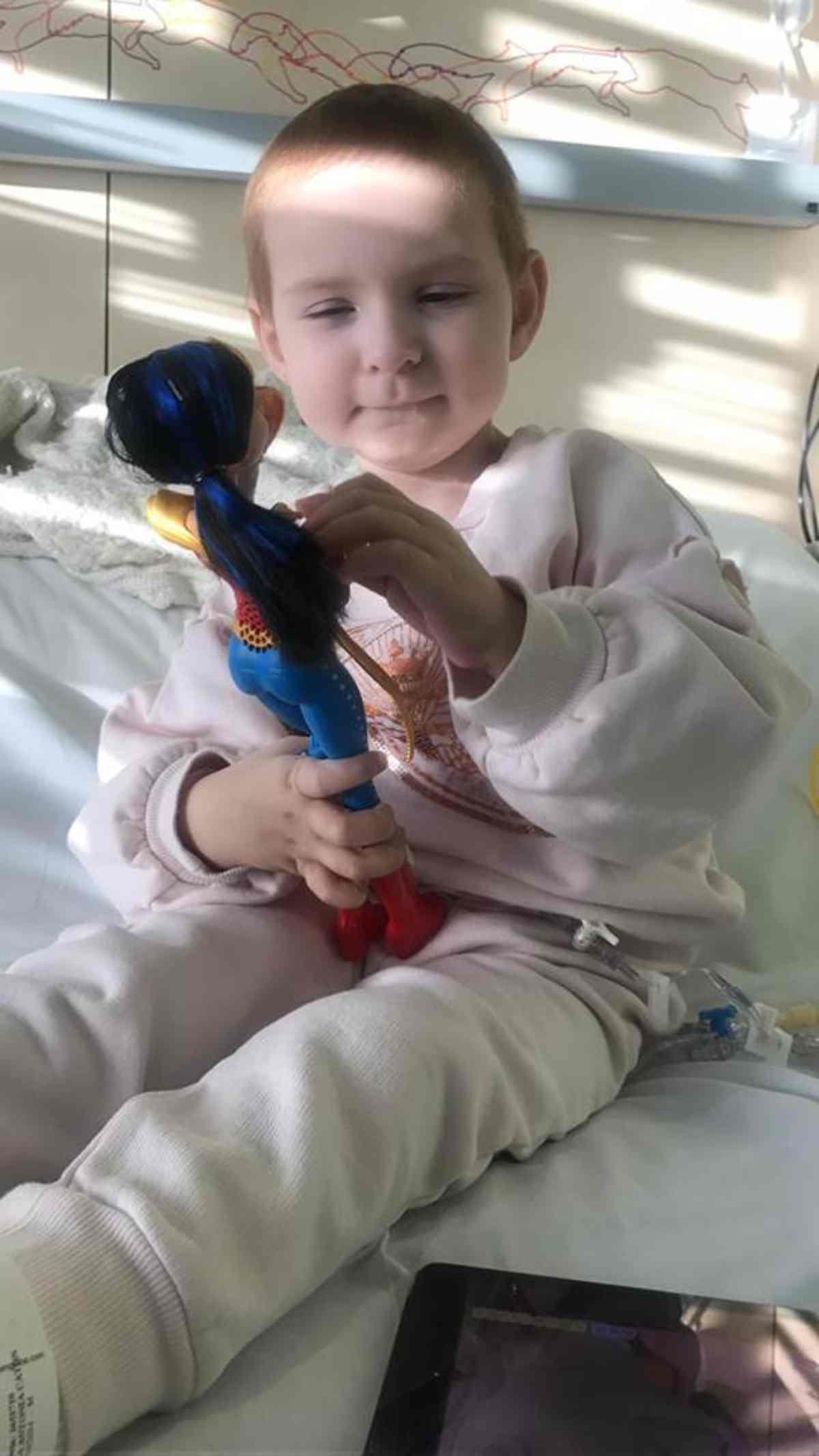 bambina sconfigge cancro 5