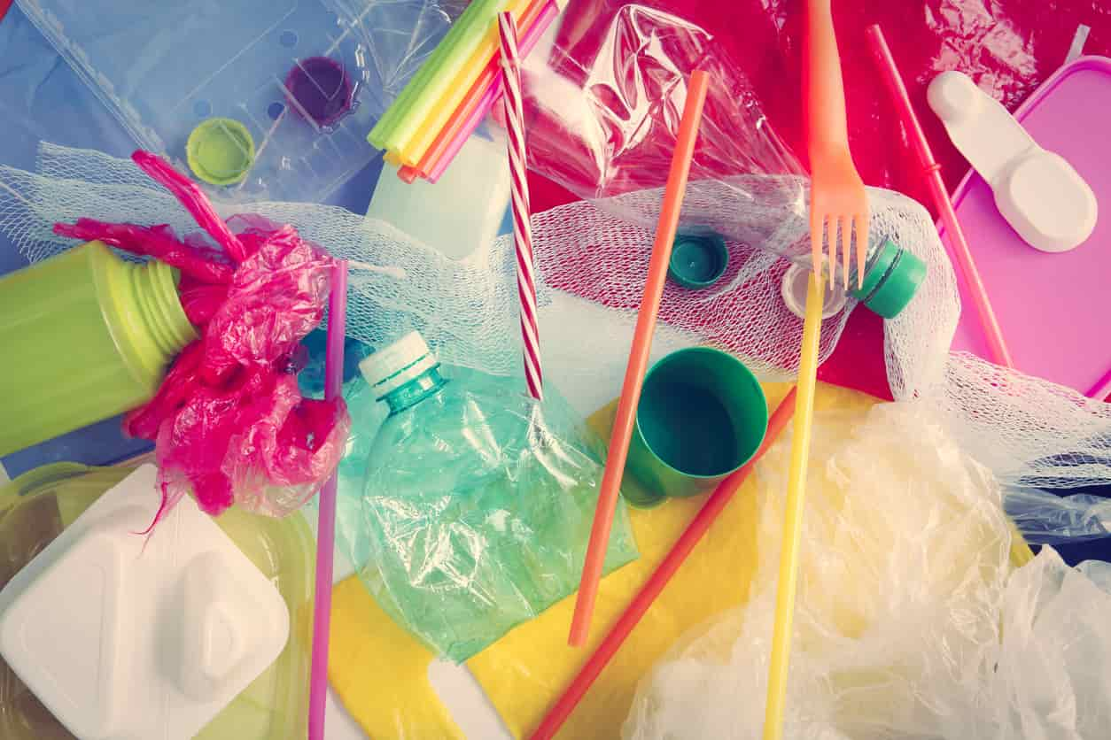 Addio alla plastica monouso: molti i prodotti che verranno eliminati