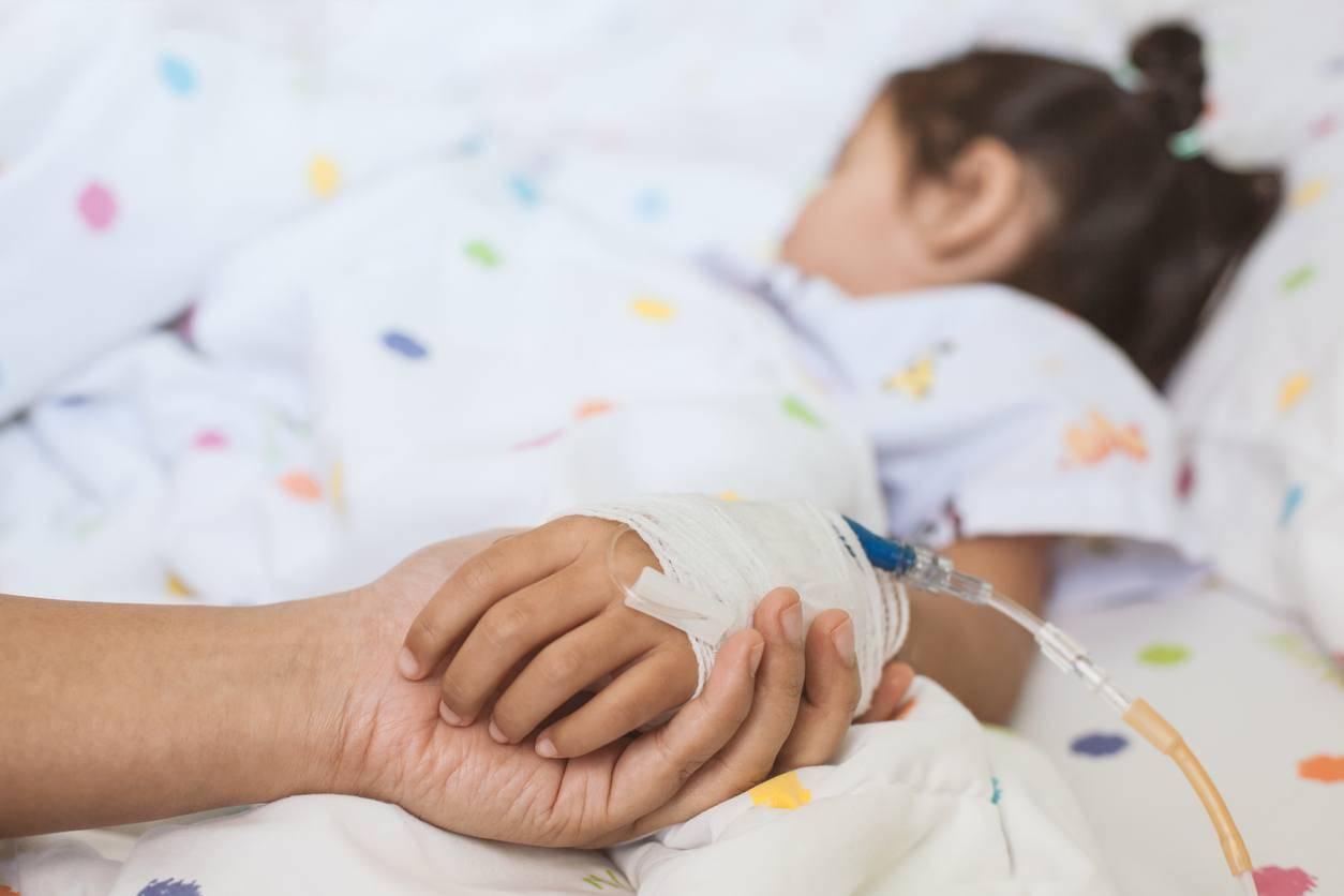 bambina ricostruito esofago