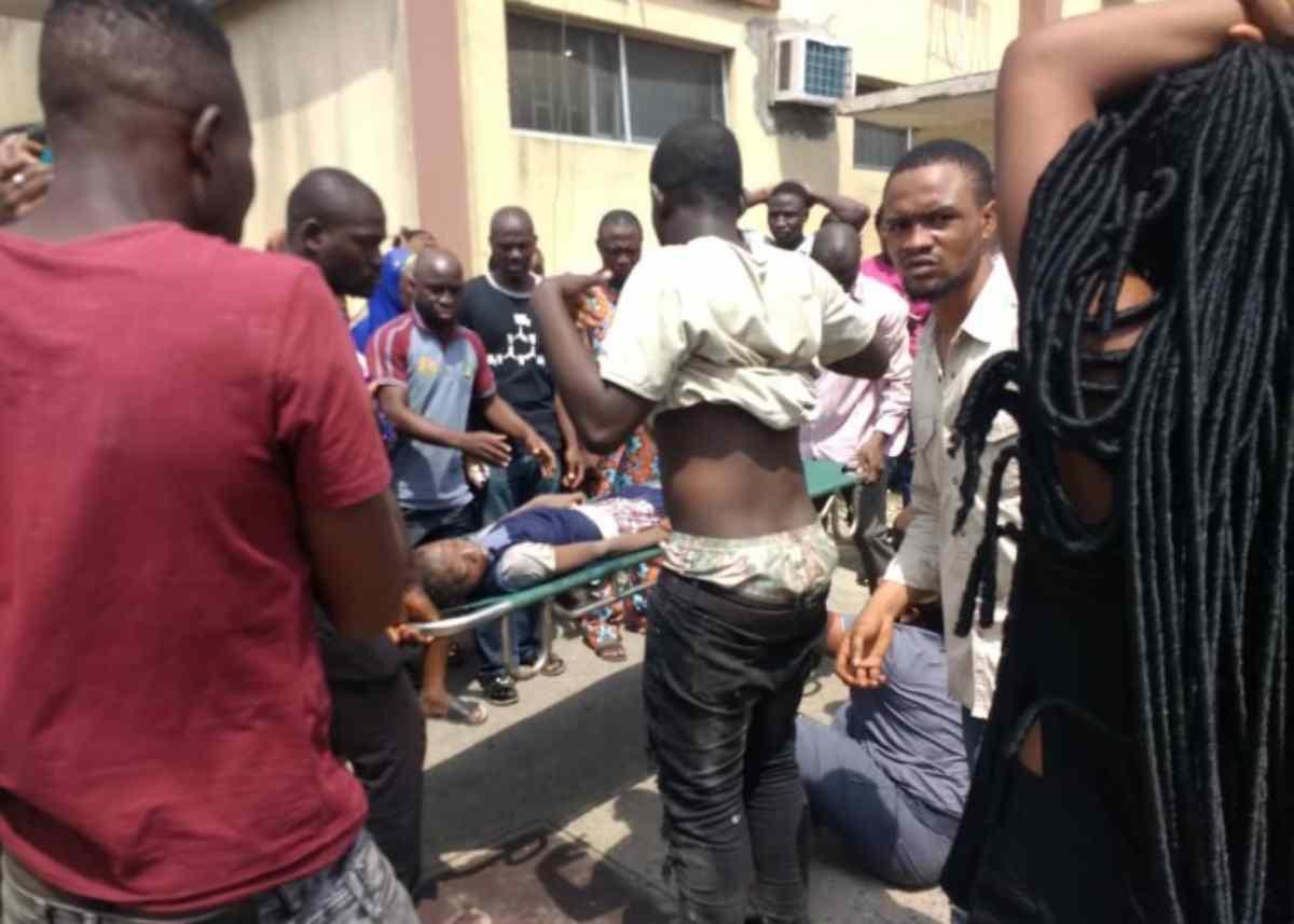 Nigeria, crolla scuola di tre piani: studenti intrappolati sotto le macerie