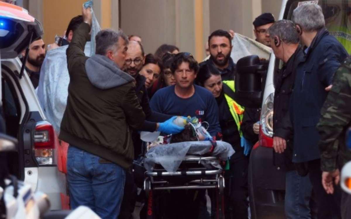 morto il bambino caduto dal carro di carnevale