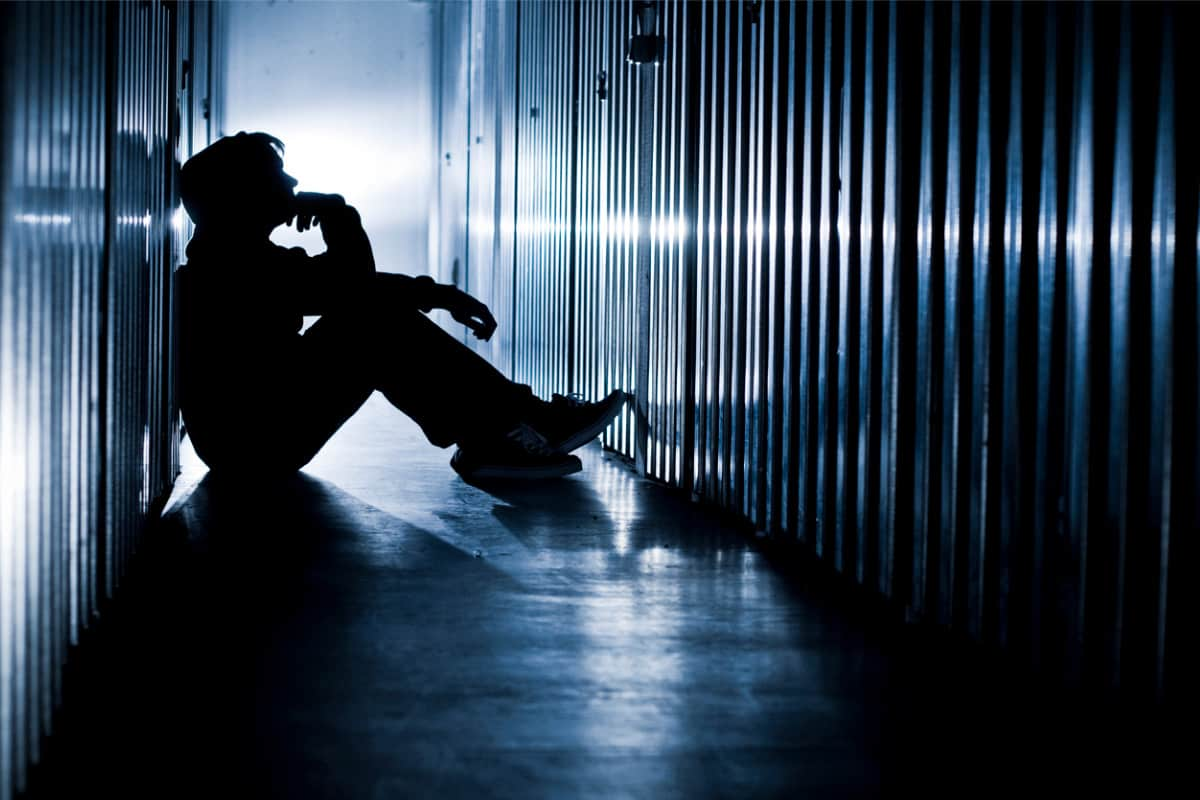 Aumentati i suicidi tra gli adolescenti: accusata una serie tv su Netflix