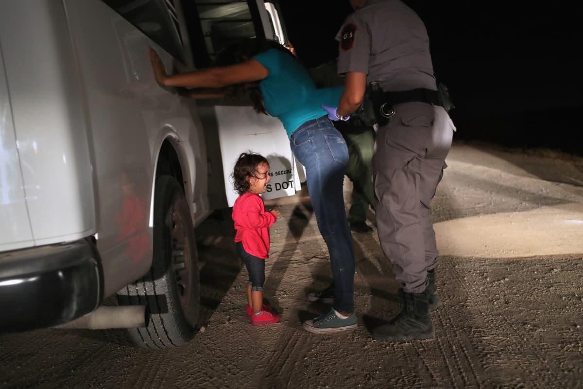 bimba migrante lacrime
