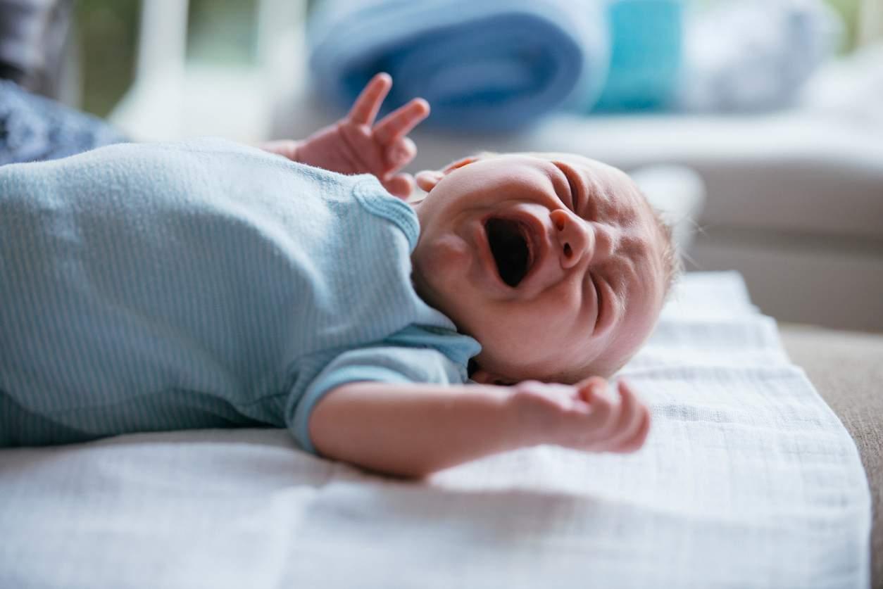 neonato circonciso morto